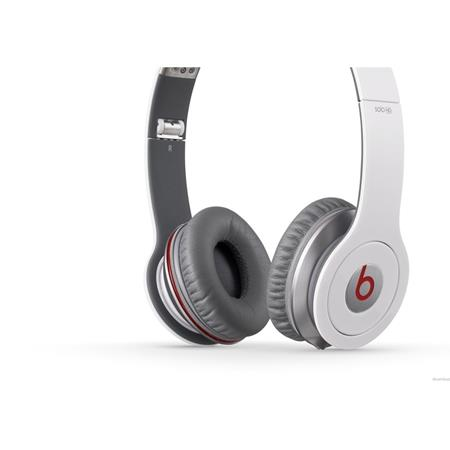 beats-solo-hd-white_medium_image_1