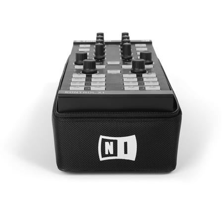 native-instruments-traktor-kontrol-x1-f1-bag_medium_image_4