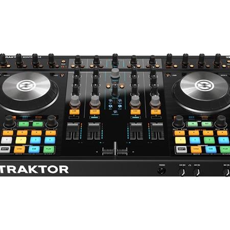 native-instruments-traktor-kontrol-s4-mk2_medium_image_3