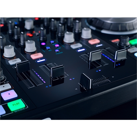 native-instruments-traktor-kontrol-s4-mk2_medium_image_6
