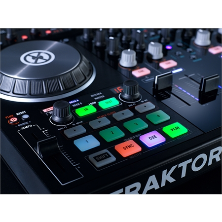 native-instruments-traktor-kontrol-s4-mk2_medium_image_10