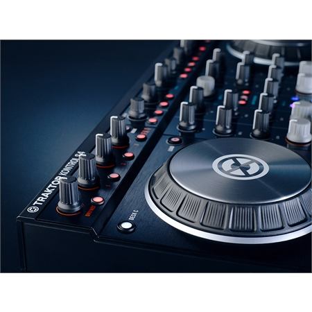 native-instruments-traktor-kontrol-s4-mk2_medium_image_12