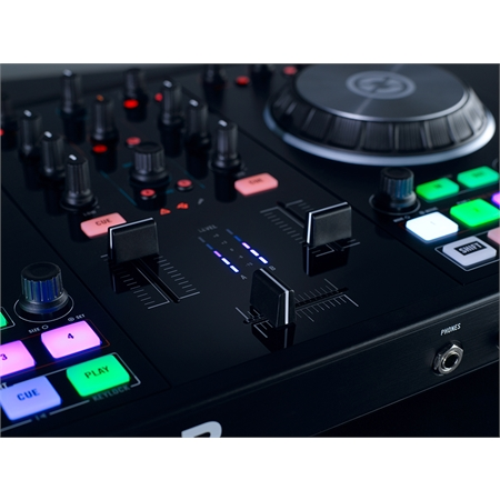 native-instruments-traktor-kontrol-s2-mk2_medium_image_7
