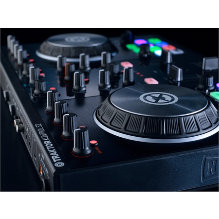 native-instruments-traktor-kontrol-s2-mk2_medium_image_14