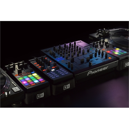 native-instruments-traktor-kontrol-f1_medium_image_9