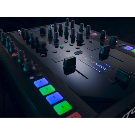 native-instruments-traktor-kontrol-z2_medium_image_9