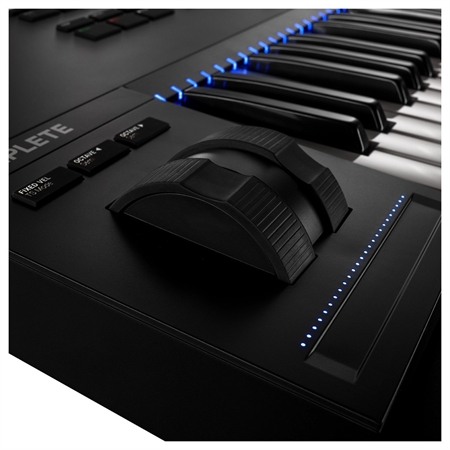 native-instruments-komplete-kontrol-s61-mk2_medium_image_4