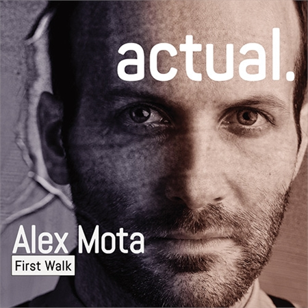 alex-mota-first-walk